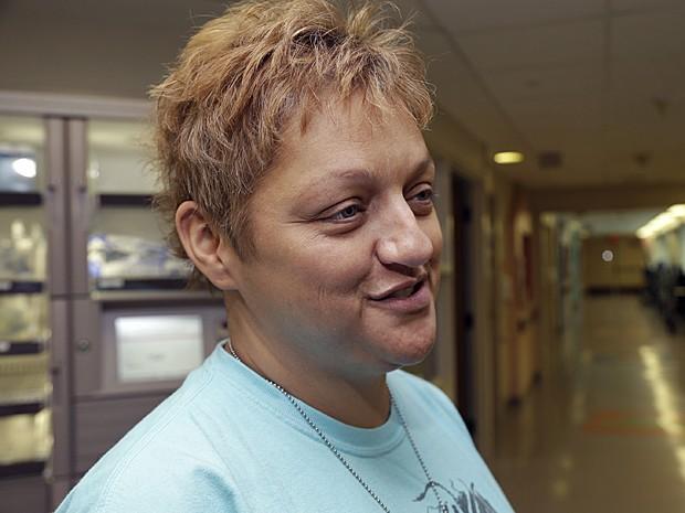 Traci Hardig, mãe de Kali, está confiante na recuperação da filha (Foto: Danny Johnston/AP)