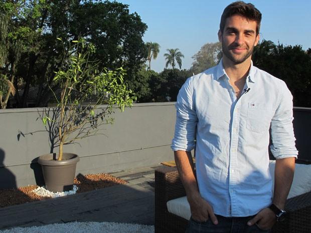 Rodrigo Ribeiro afirma que ingressou na carreira de modelo para poder viajar e juntar dinheiro (Foto: Gabriela Gasparin/G1)