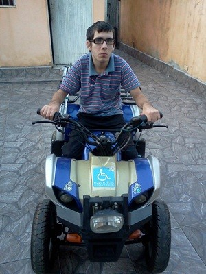"""""""Com o quadriciclo tenho a sensação de liberdade"""", diz Hugo (Foto: Sérgio Tadeu da Silva/Arquivo Pessoal)"""