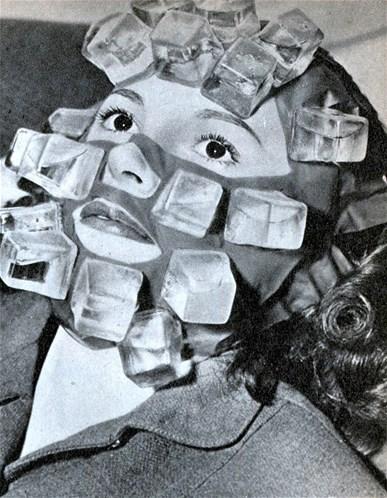 Esta máscara de gelos foi desenvolvida por Max Factor para as estrelas de Hollywood relaxarem após as filmagens, para deixar a pele mais bonita e para suavizar as dores de cabeça.