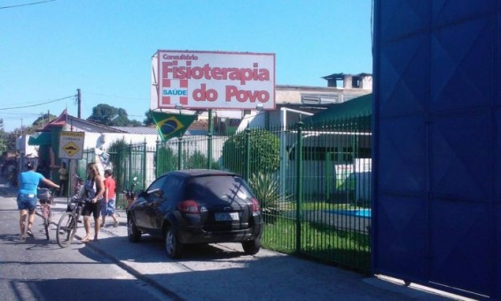 Clínica em Imbariê identificada por moradores e pacientes como centro social do deputado estadual Marco Figueiredo - Cassio Bruno