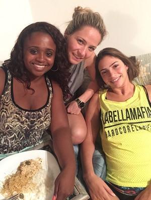 Lais recebeu recentemente a visita de Daiane dos Santos, que ajudou a alimentá-la (Arquivo Pessoal)
